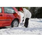 Lengvas automobilinis sniego kastuvas FISKARS 141020